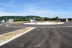 aire d'accueil de 20 places à Laudun-L'Ardoise.